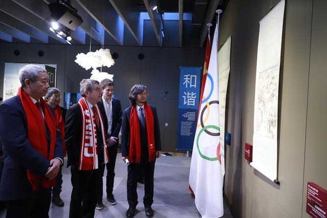 """""""中国和""""主题艺术展暨""""吉祥物送祝福 点亮2022""""新春系列活动在瑞士启幕"""