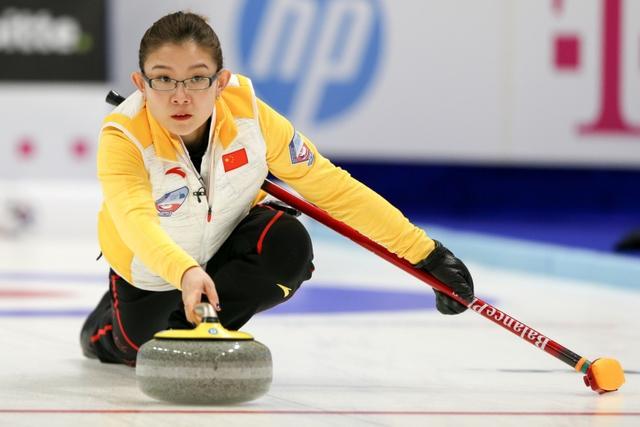 冰壶奥运落选赛:中国女队收获三连胜 男队遭遇首败