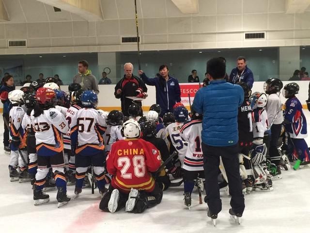 探访青少年冰球:是运动更是生活,爱冰雪每时每刻