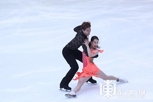 全国花样滑冰大奖赛在哈尔滨揭幕