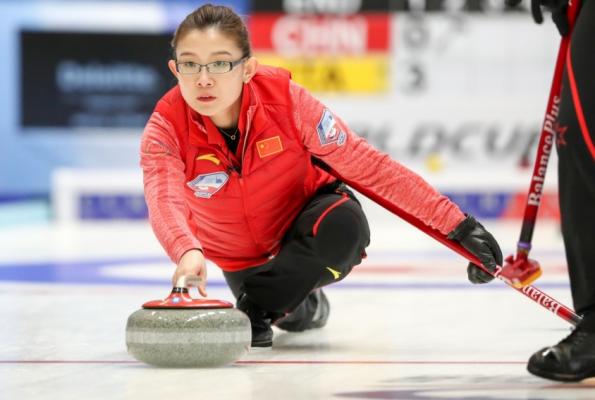 冬奥冰壶落选赛 中国女队斩获门票男队无缘晋级