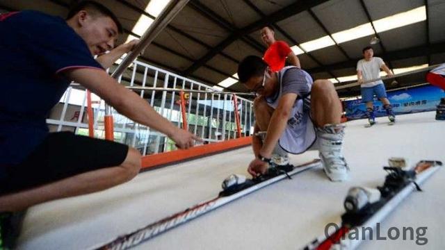 北京冬奥延庆赛区延庆医疗保障队启动模拟滑雪机训练