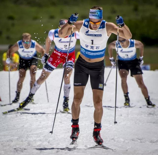 国际雪联夏季越野滑雪积分赛中国选手表现抢眼