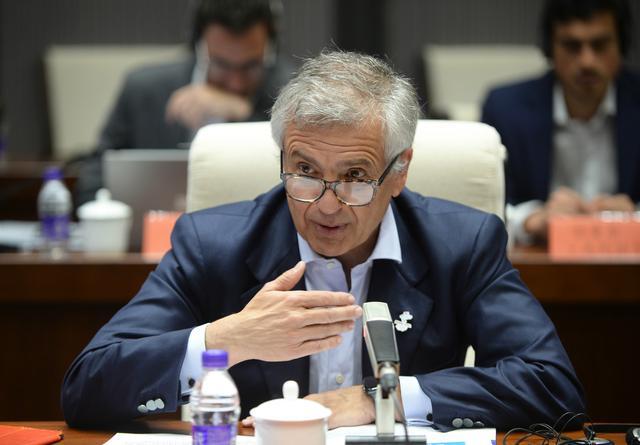 国际奥委会副主席胡安·萨马兰奇:场馆赛后服务社区 北京冬奥将有合理的预算