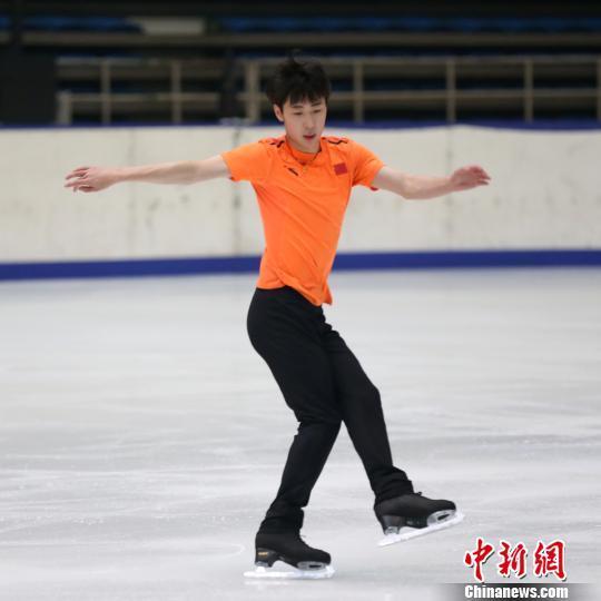 探访中国花样滑冰队:全新队伍全力备战冬奥