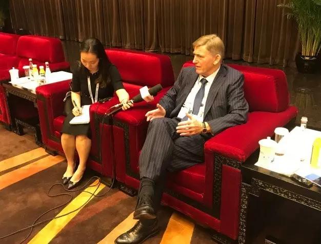 国际滑联主席詹·迪杰科玛表示 冰雪运动的未来在中国