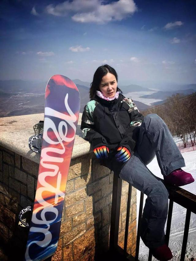 李坚柔:展跨项冰雪人力量