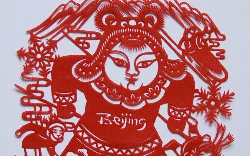 蔚县剪纸是全国唯一一种以阴刻为主,阳刻为辅的点彩剪纸.