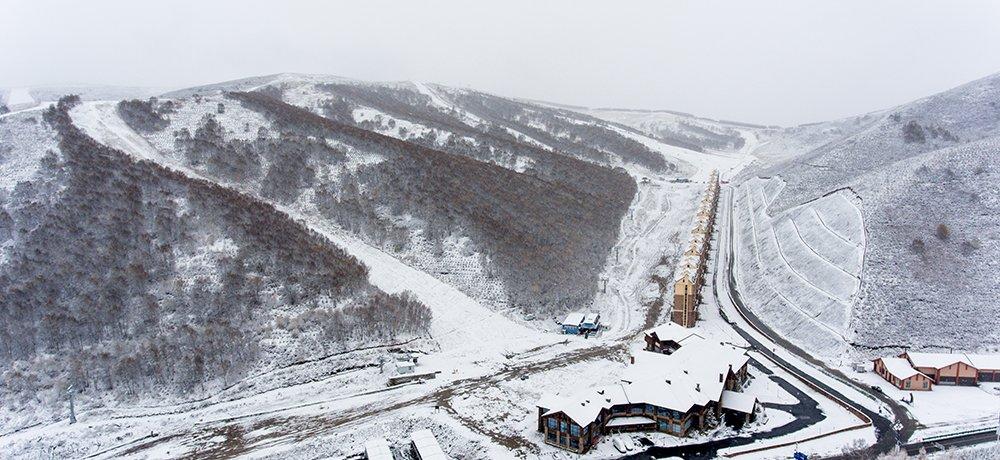 北京冬奥会张家口赛区迎来2017年秋季初雪