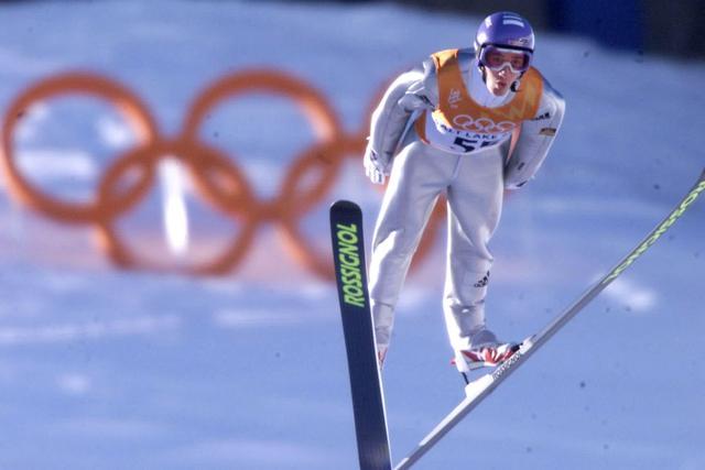 德国队跳台滑雪运动员积极备战北京冬奥会——访德国前名将汉纳瓦尔德