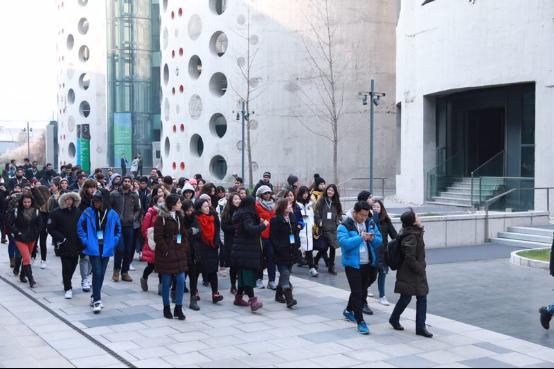 国际青年相聚冬奥组委 为冬奥加油 为青春喝彩