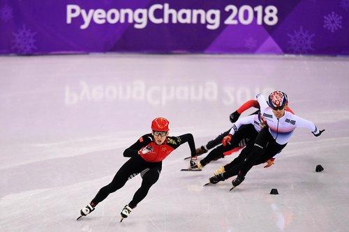 Wu Dajing a remporté la première médaille d'or de la Chine à Pyeongchang au 500 m hommes en patinage de vitesse sur piste court