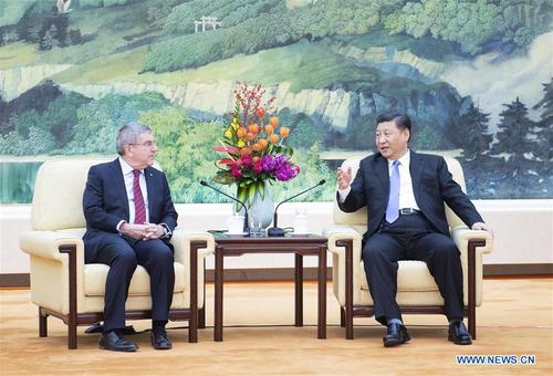 Le président chinois Xi Jinping rencontre le président du CIO Thomas Bach