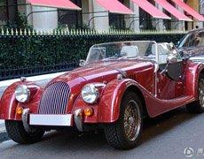英国绅士复古敞篷跑车摩根Roadster