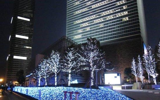 """吉祥天著为梦想加""""油""""——25日圣诞节暖情开启"""