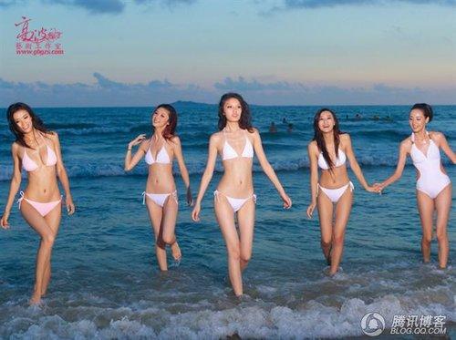 三亚沙滩美女