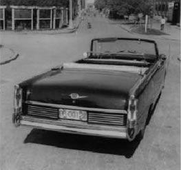 第一辆正式生产红旗检阅车高清图片