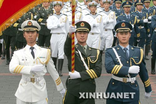 07式新军服 陆海空三军仪仗队礼宾服-大阅兵 部队每次都穿什么军服图片