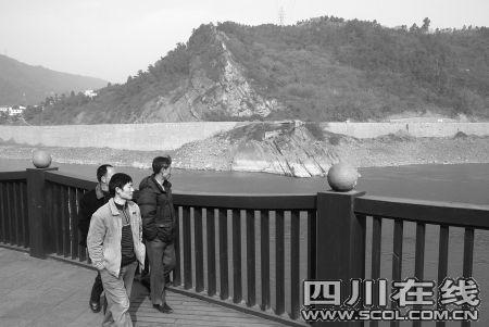 宜宾市民创意:修座廊桥跨越岷江