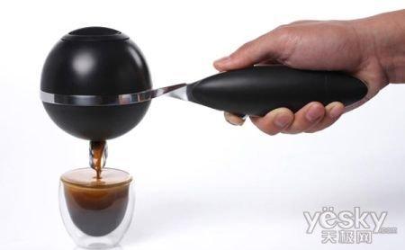 便携式咖啡机随时随地品尝到美味的咖啡_家电便携式国际象棋图片