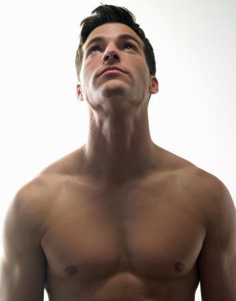 男人如何迅速锻炼出大胸肌 - 愛онd承諾 - 我是一片叶筋脉是森林我是一滴水魂魄是海洋