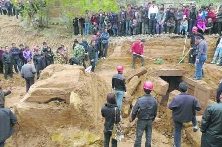 广元宝轮发现唐代古墓 墓室下方有空穴(图)