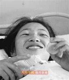 藏族师傅支援 地震伤员在成都吃正宗藏餐(图)