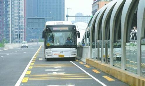 春运期间 成都二环快速公交K1、K2线路提前发车