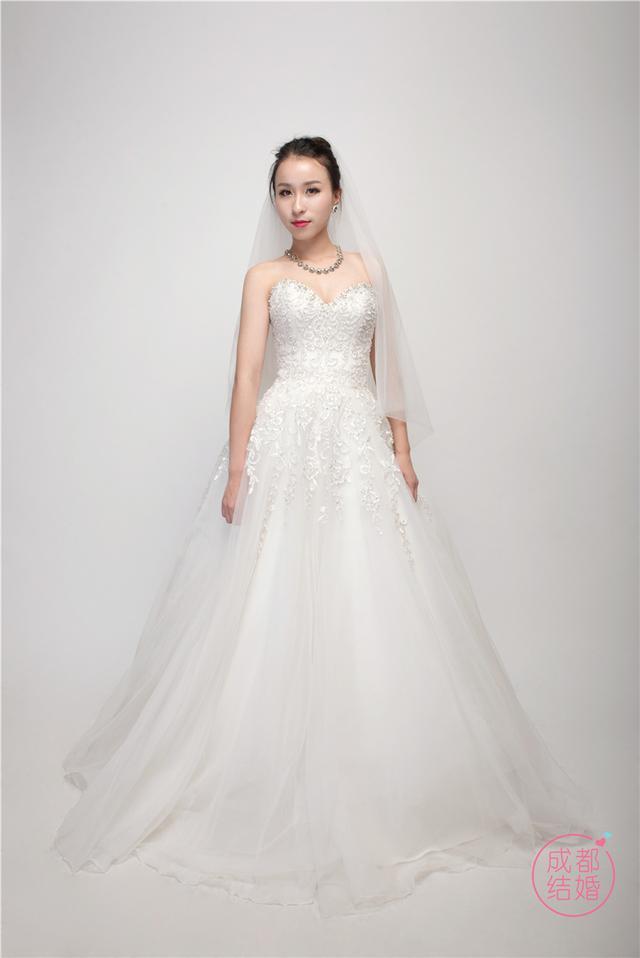 超低价租中高端婚纱套系,就问你们要不要!