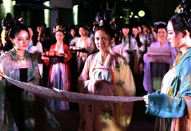 """七夕节到了 今年的""""中国情人节""""你打算怎么过"""