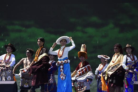 传承传统 2017阿坝县扎崇文化旅游节隆重开幕