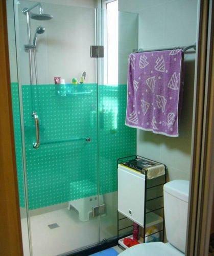 卫生间的淋浴房高清图片