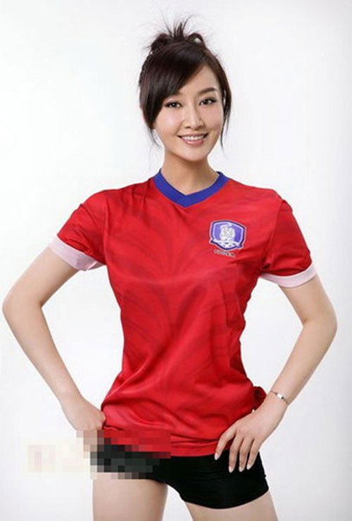 中国女主播赵子琪变韩国足球宝贝