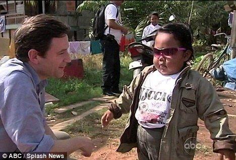 印尼儿童吸烟问题严重:2岁儿童吞云吐雾_大成