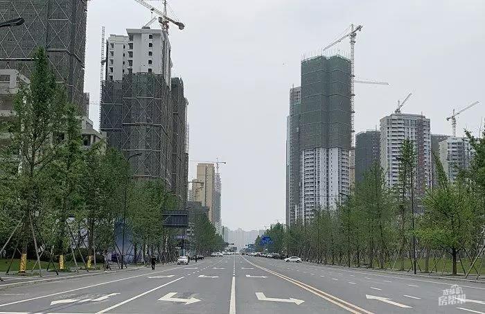 成都城南90㎡小户型纯新盘 距地铁600米
