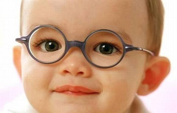 想知道宝宝视力是否正常 免费视力筛查等你拿