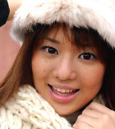 日本女艺人苍井空为玉树募捐 被疑对象限日本人
