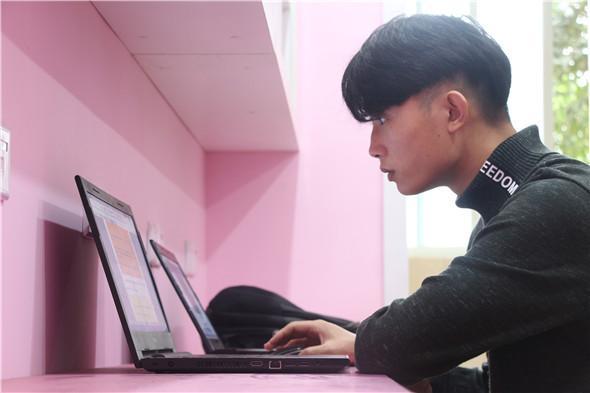 """希望职校唐李同学荣获""""百+计划""""奖金"""