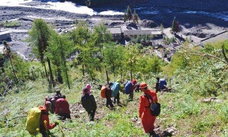 四姑娘山景区和登山协会将向驴友追偿搜救费