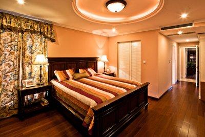 复古造型的双人床