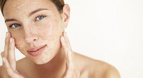 定期去角质可使肌肤更健康 但千万别碰这些雷区
