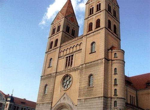 德国:两个儿童节学校和教会替家长送礼物