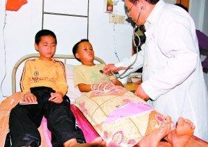 广东揭阳44名学生注射乙肝疫苗后入院(图)