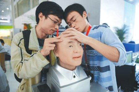 西博会科技馆:机器人跳Nobody 房屋会呼吸