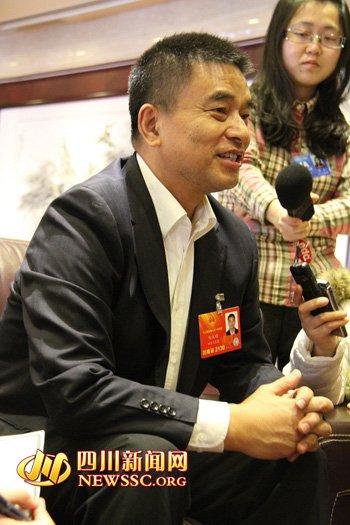 全国人大代表刘永好 屌丝 族最应受到关心