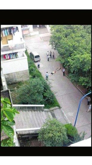 四川理工学院一学生坠楼身亡 死因不明