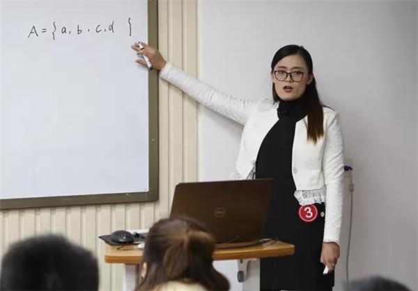 教师全明星赛决赛:高中组老师为理求真 百舸争流