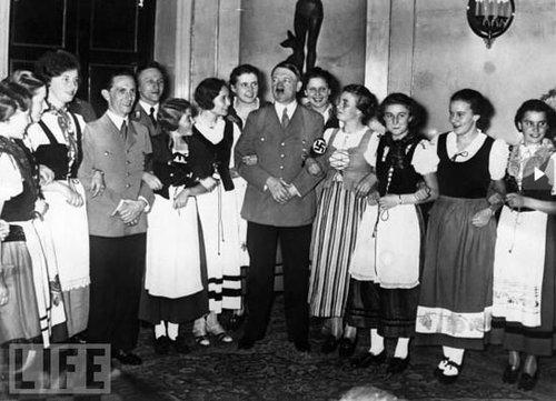 二战德国男兵为什么那么受乌克兰女人欢迎乌克兰右岸肥沃土地被苏联