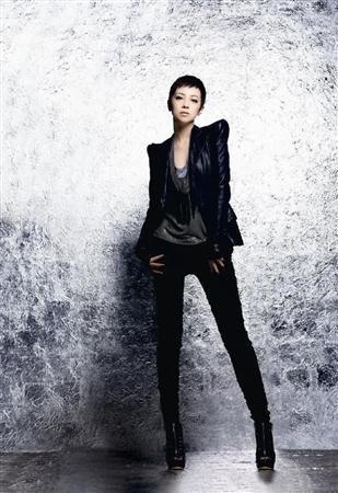 亚由美变身歌手ICONIQ广告复出 板寸头英姿飒爽_娱乐速递_大成网_腾讯网