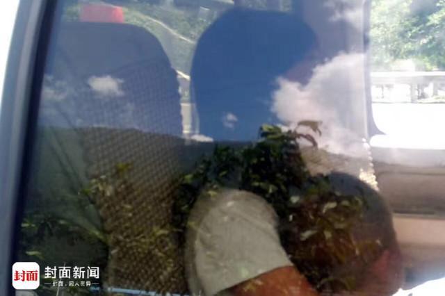 成都男子轿车在高速抛锚 留妻儿在闷热车中(图)
